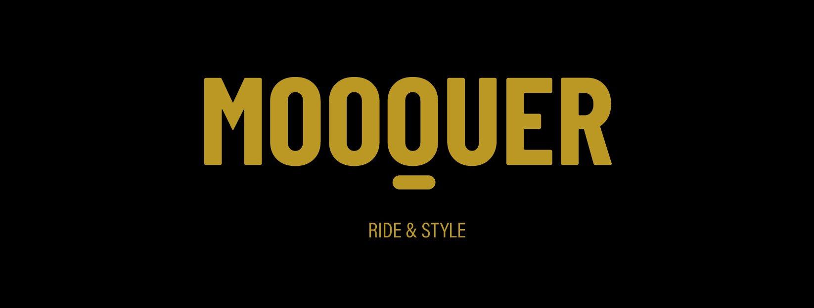 Mooquer-ropa-de-ciclismo-logo-rectangular-fondo-negro-mostaza