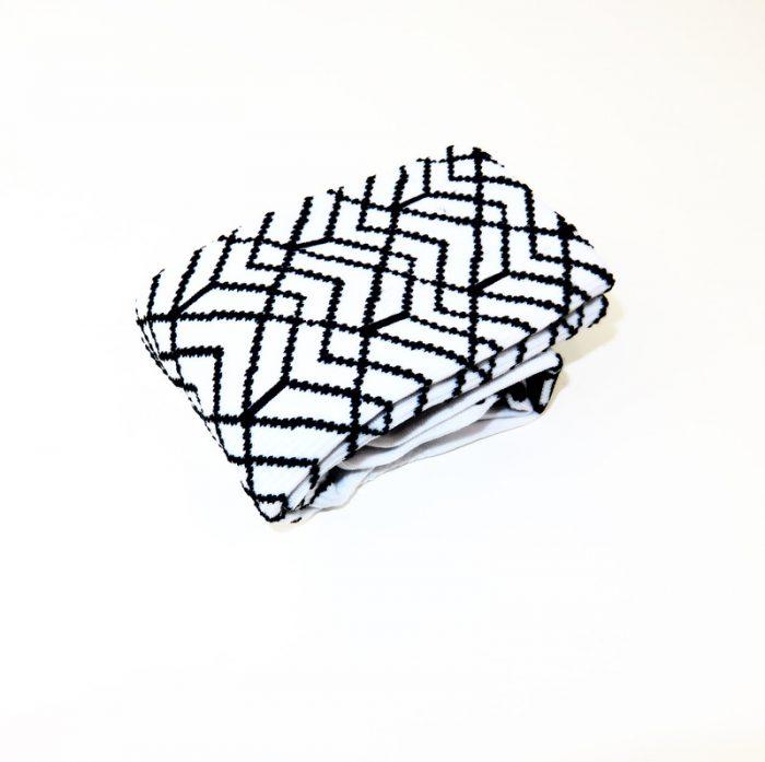 calcetines-altos-de-ciclismo-mooquer-pave-roubeaix-blanco-negro