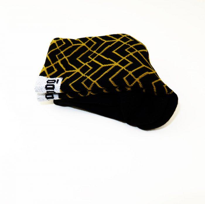 calcetines-altos-de-ciclismo-mooquer-pave-roubeaix-negro-dorado