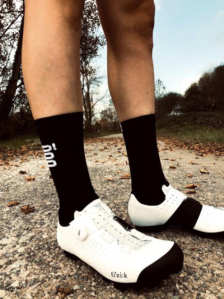 Calcetines de ciclismo negros altos Smoked Stan Mooquer Ropa Ciclista