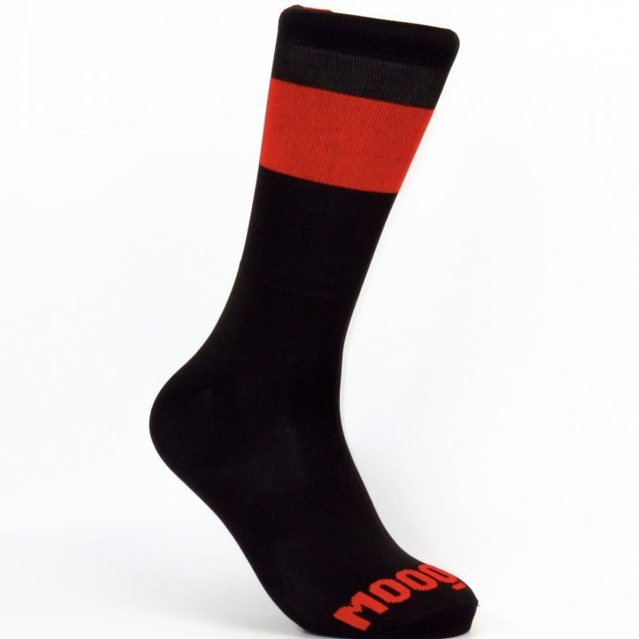 calcetines-de-ciclismo-termicos-calcetines-ciclistas-invierno-band-carbon-cafe-mooquer-ropa-ciclista-diagonal