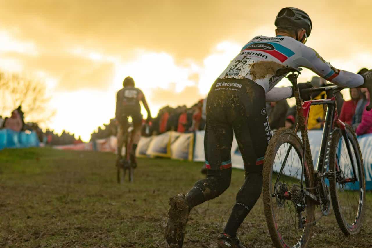 ciclismo-mooquer-calcetines-altos-de-ciclismo